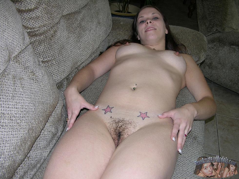 Amateur Kelsie is spreading her butt - 11