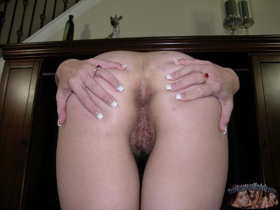 Amateur Kelsie is spreading her butt - 8