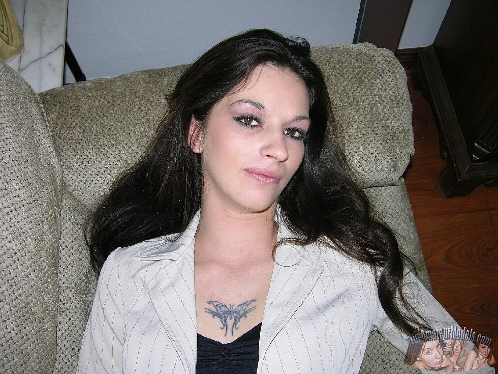 Enjoy brunette Lynn and her love holes - 1