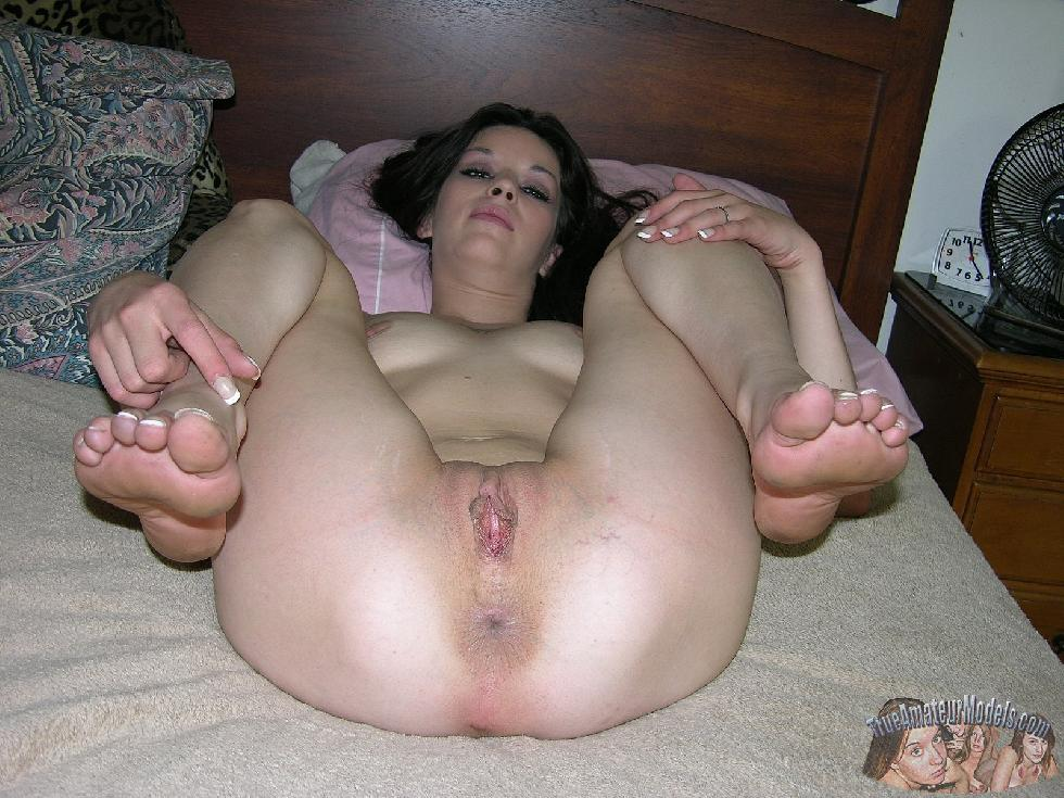 Enjoy brunette Lynn and her love holes - 9