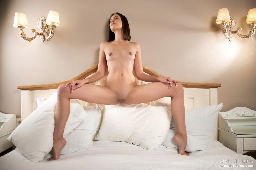 Pretty girl is showing wonderful body on the bed - Ila - 12