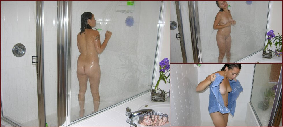 Sexy amateur Jenna is taking a shower - 3
