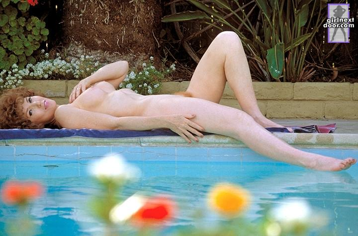 Evie is relaxing over the pool - 7