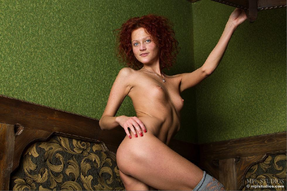 Red-headed Abby is presenting her meaty pussy - 10