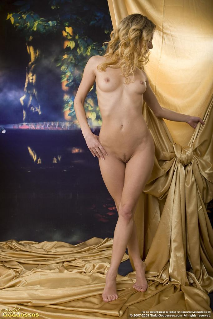 Sensual session with naked blonde named Ginger - 1