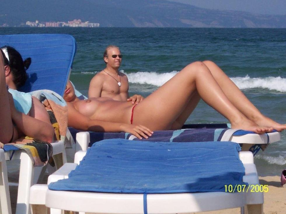 Topless and nude amateurs on the beach. Part 1 - 5