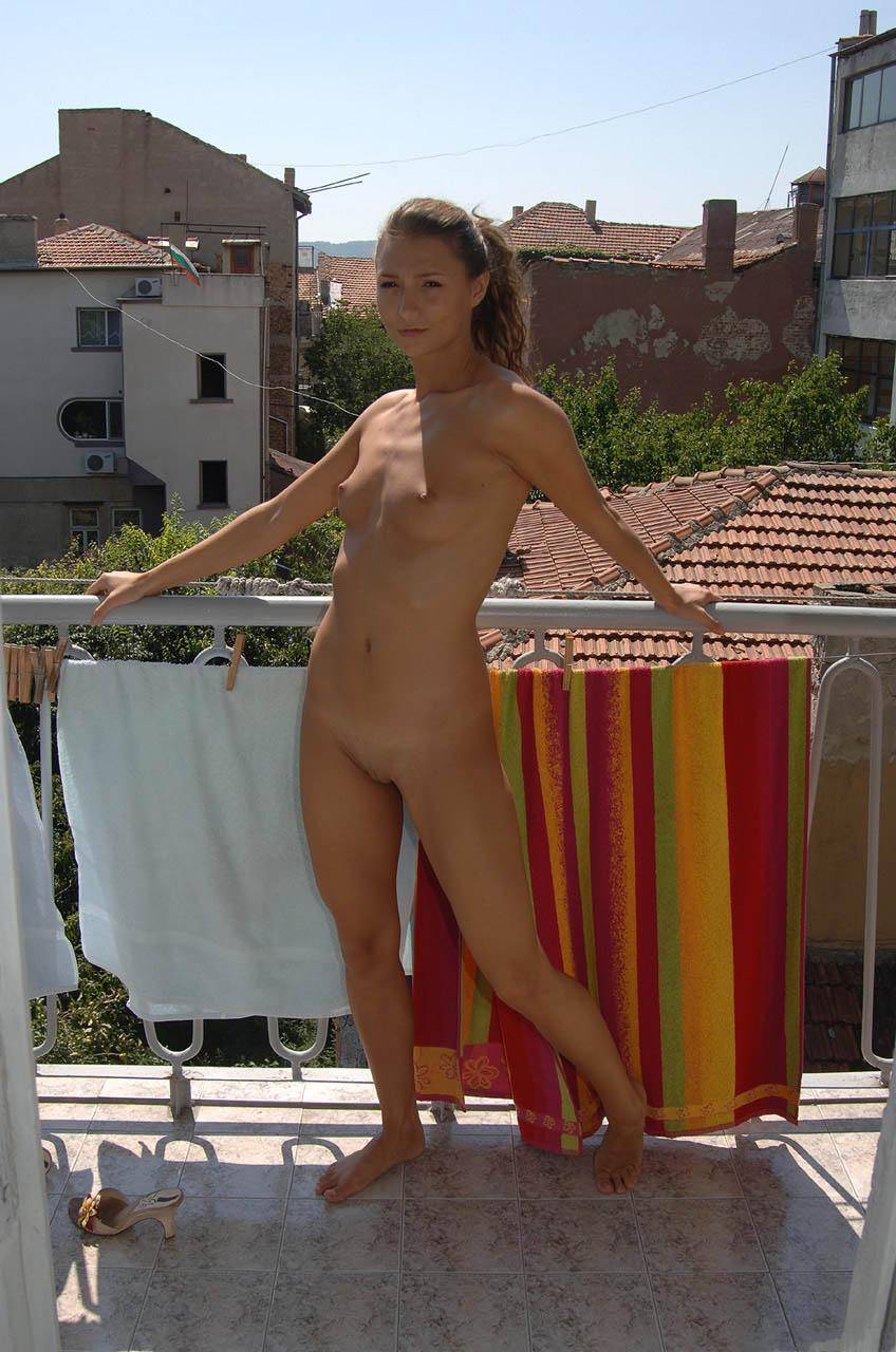 Hot amateur is showing her fantastic body - 10