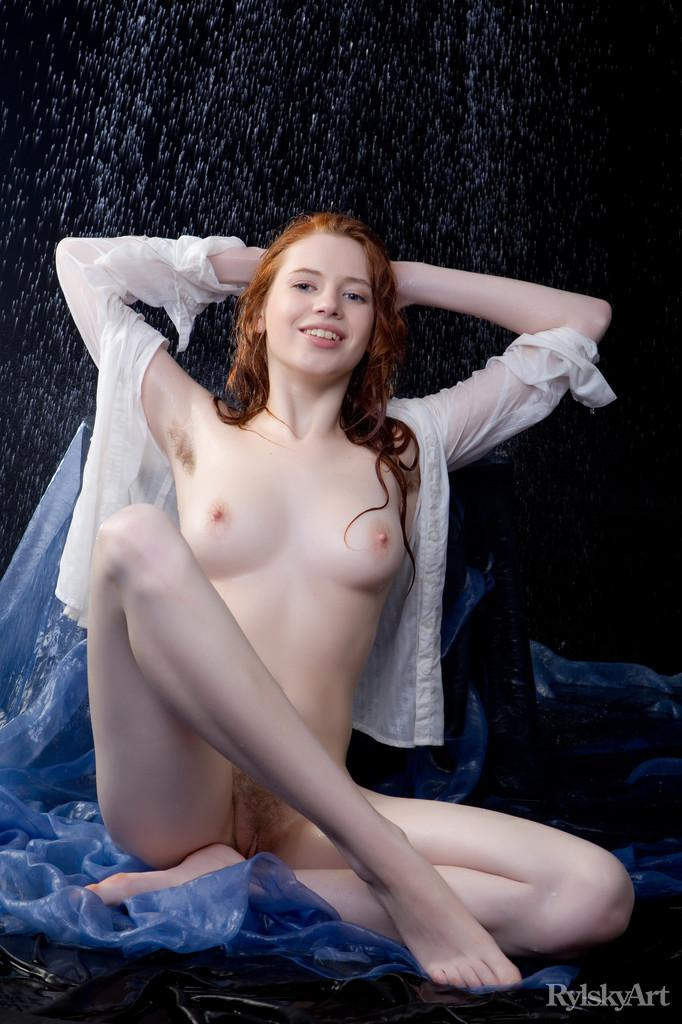 Marvelous redhead in wet photoshoot - Gillian - 8