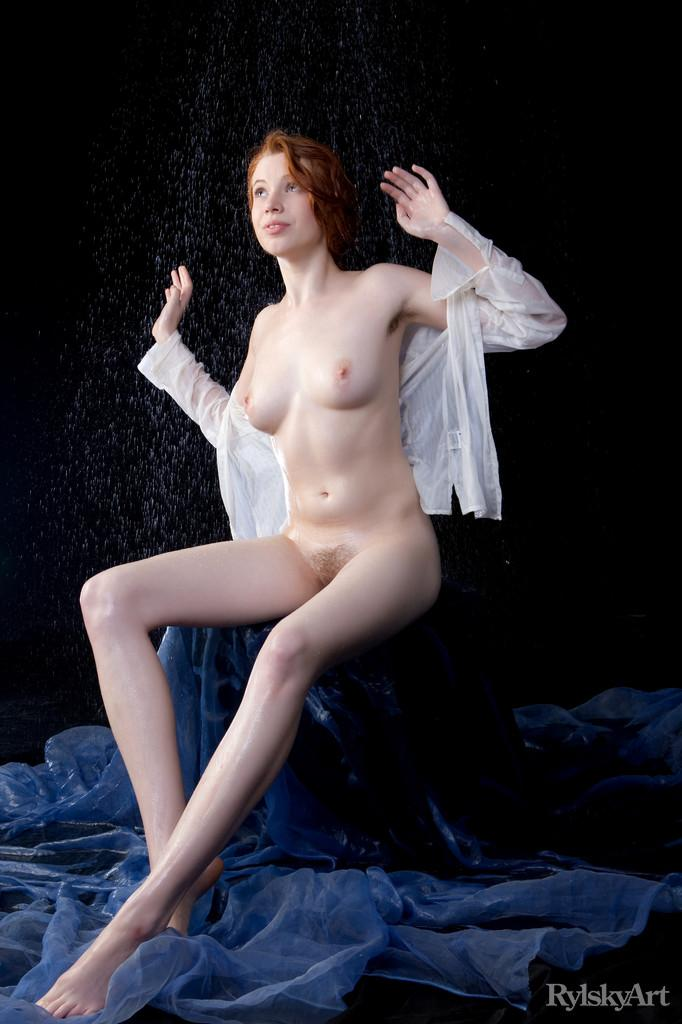 Marvelous redhead in wet photoshoot - Gillian - 9