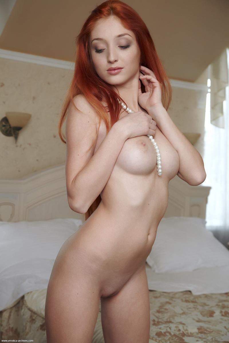 Fabulous redhead with very long hair - Michelle - 4