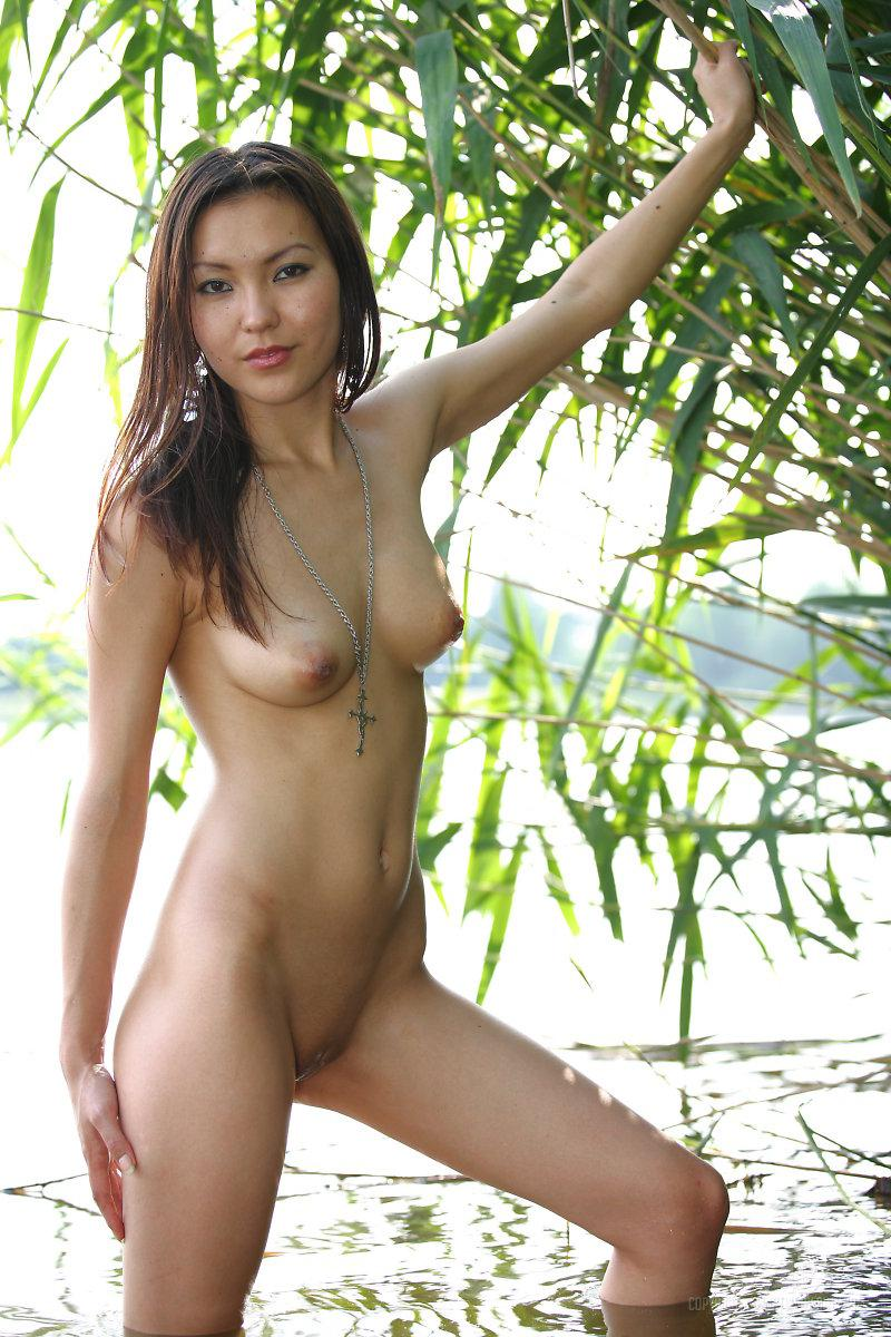 Naked Asian is posing in nature - Agnes - 3