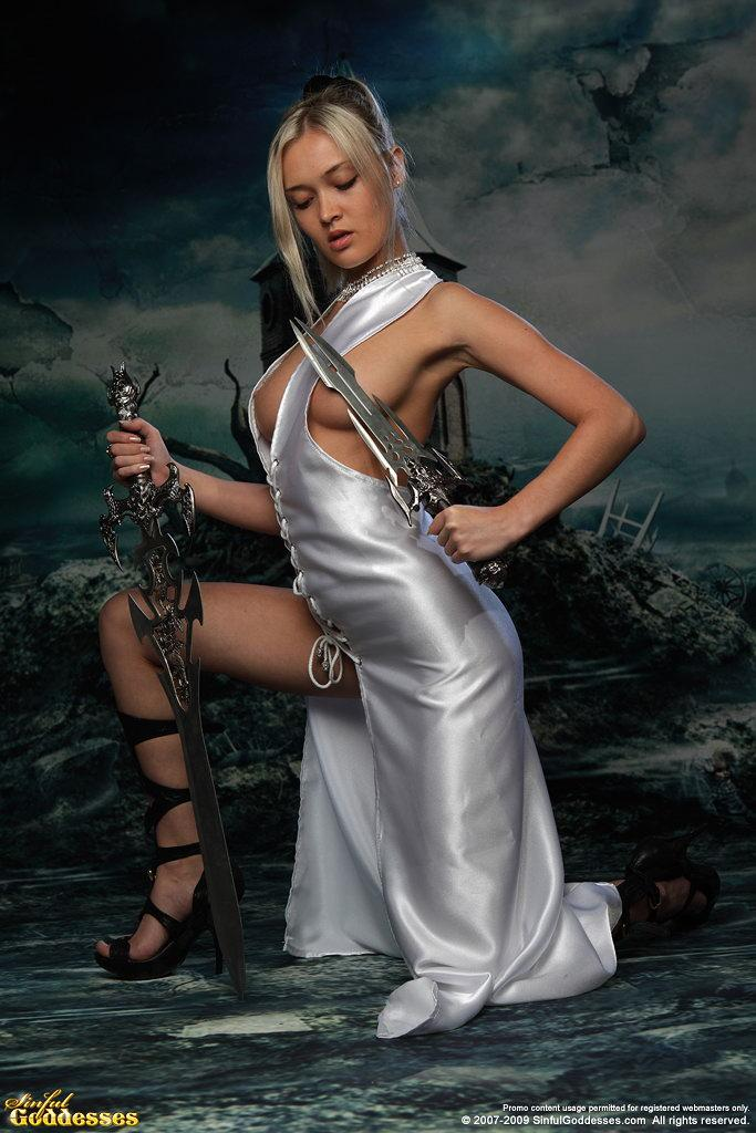 Charming and very sexy warrior princess - Nelly - 7