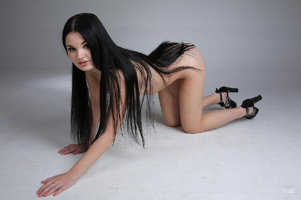 Young model with long black hair - Celeste - 11