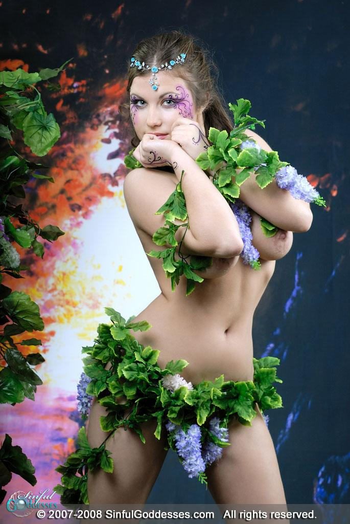 Forest princess shows amazing body - Mia - 1