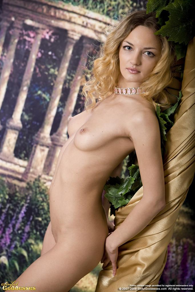 Sensual Ginger is posing in professional photoshoot - 7