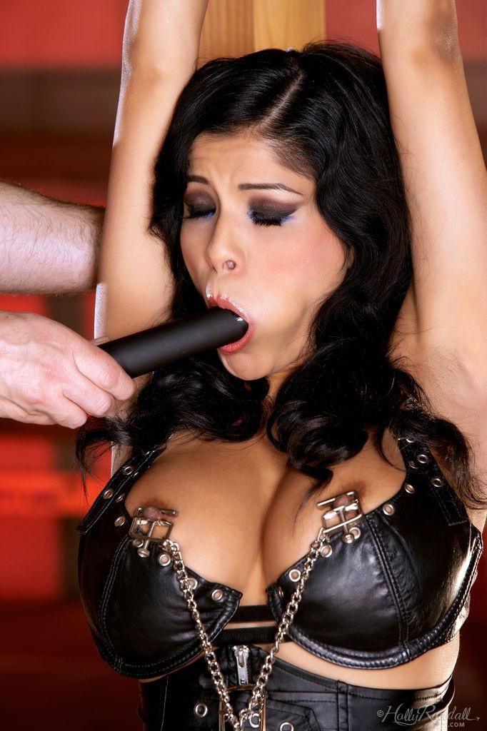 Lustful Alexis Amore likes BDSM games - 5