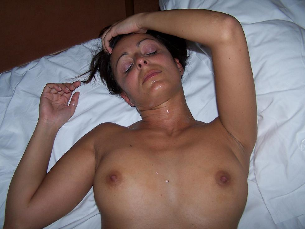 On vacation with horny brunette - 4