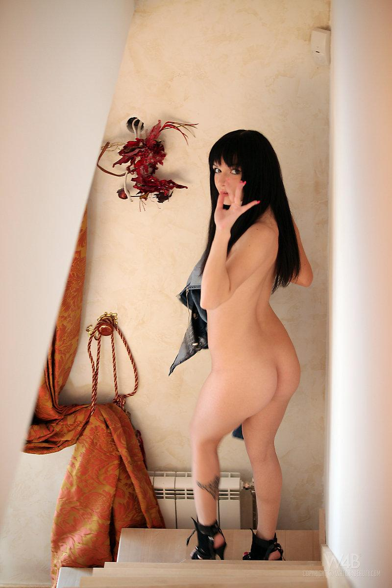 Young girl in sexy black stilettos - Svetlana - 12