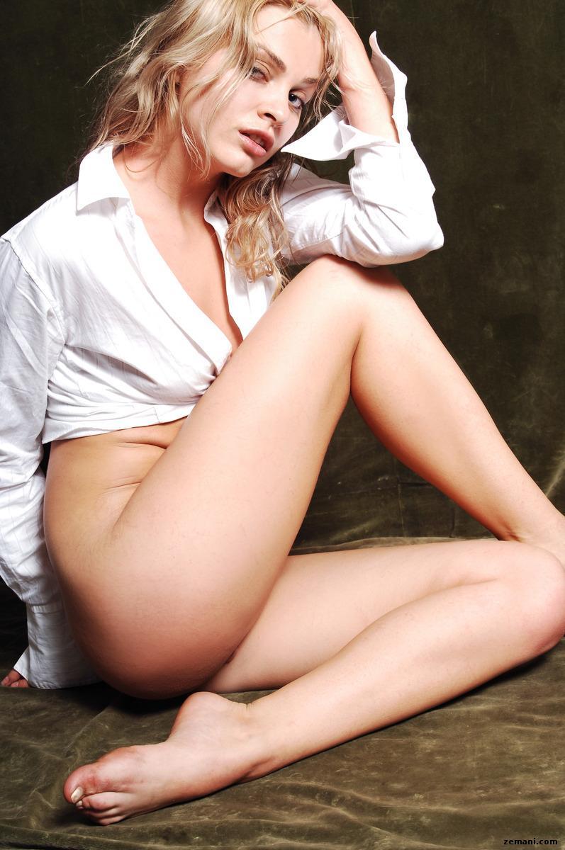 Pretty girl in white shirt - Luza - 7