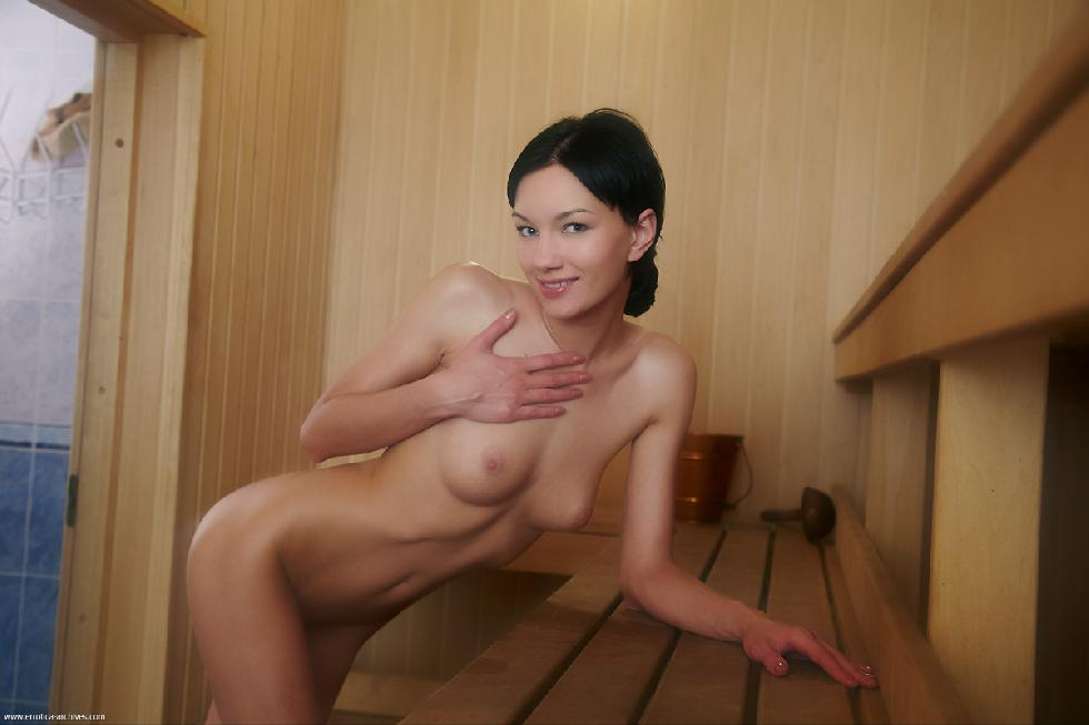Naked girl shows meaty pussy in sauna - Loreen