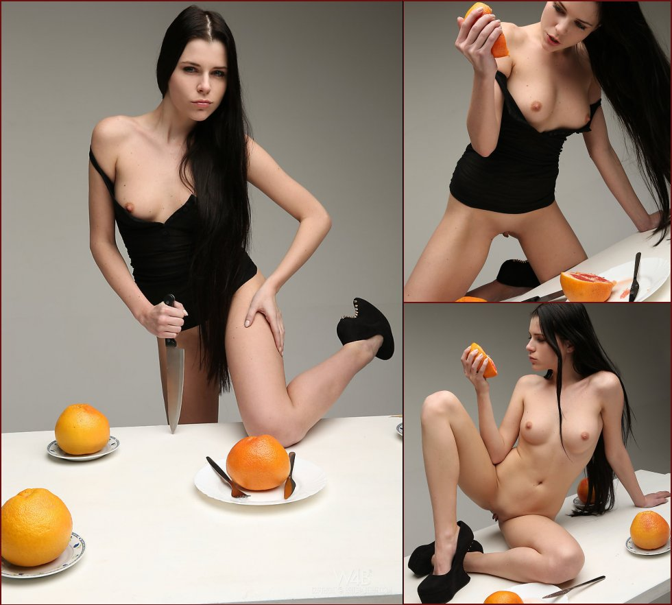 Valeria is inviting for a dessert - 31