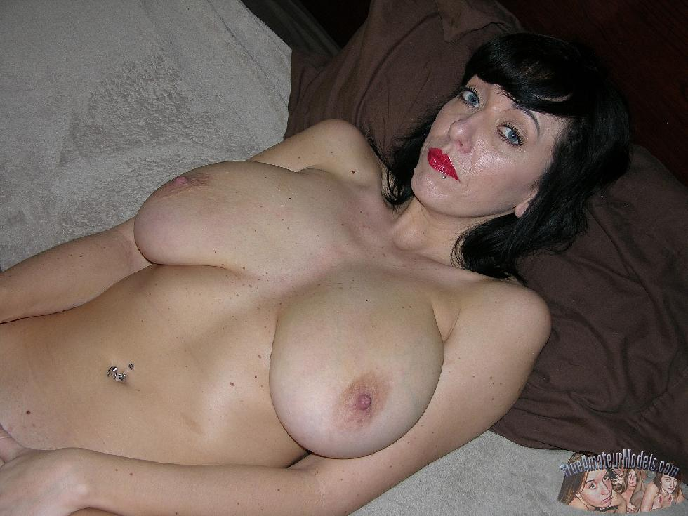 MILF with huge natural boobs - Frankie - 8