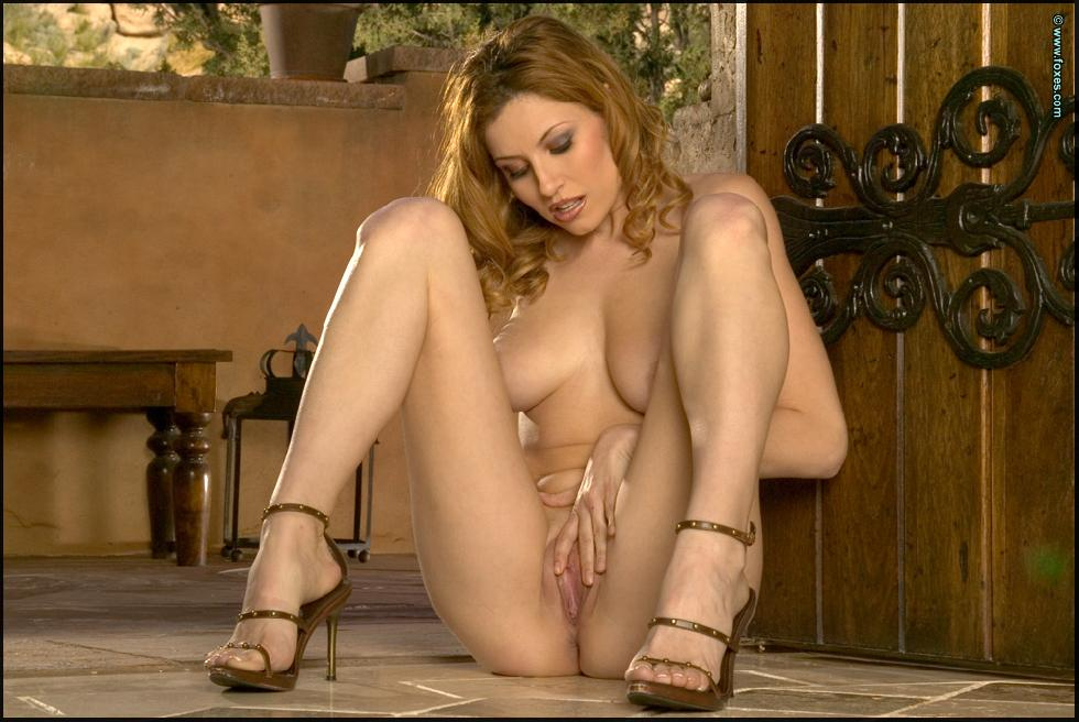 Jamie Lynn does sensual striptease - 14