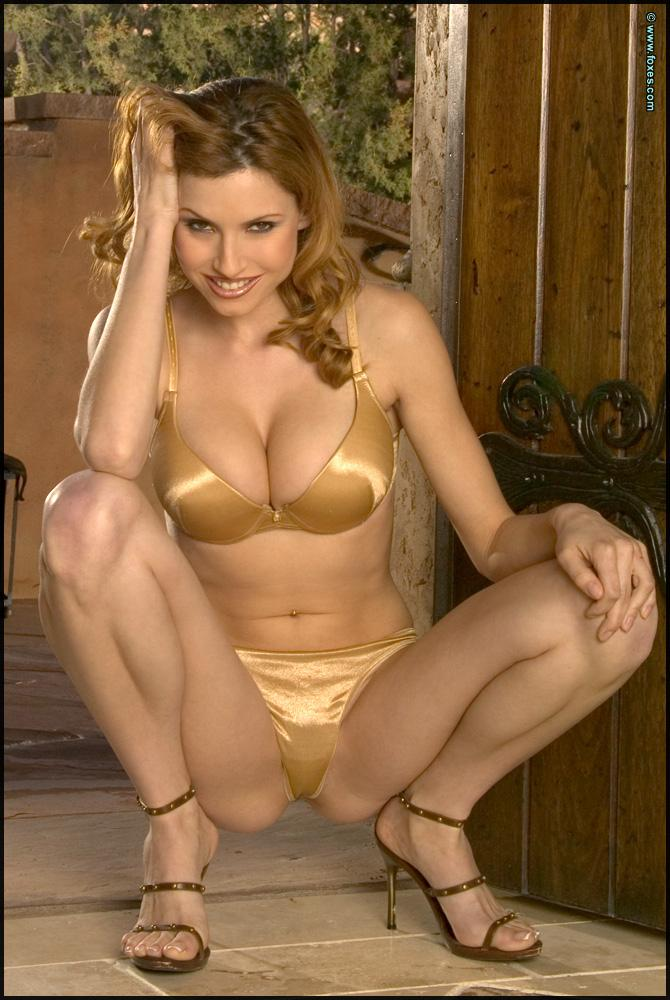 Jamie Lynn does sensual striptease - 3