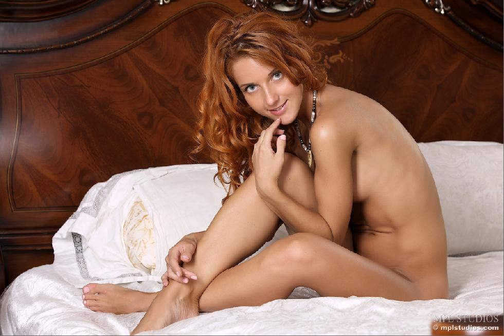 Beautiful redhead shows sweet ass on the bed - Colette - 9
