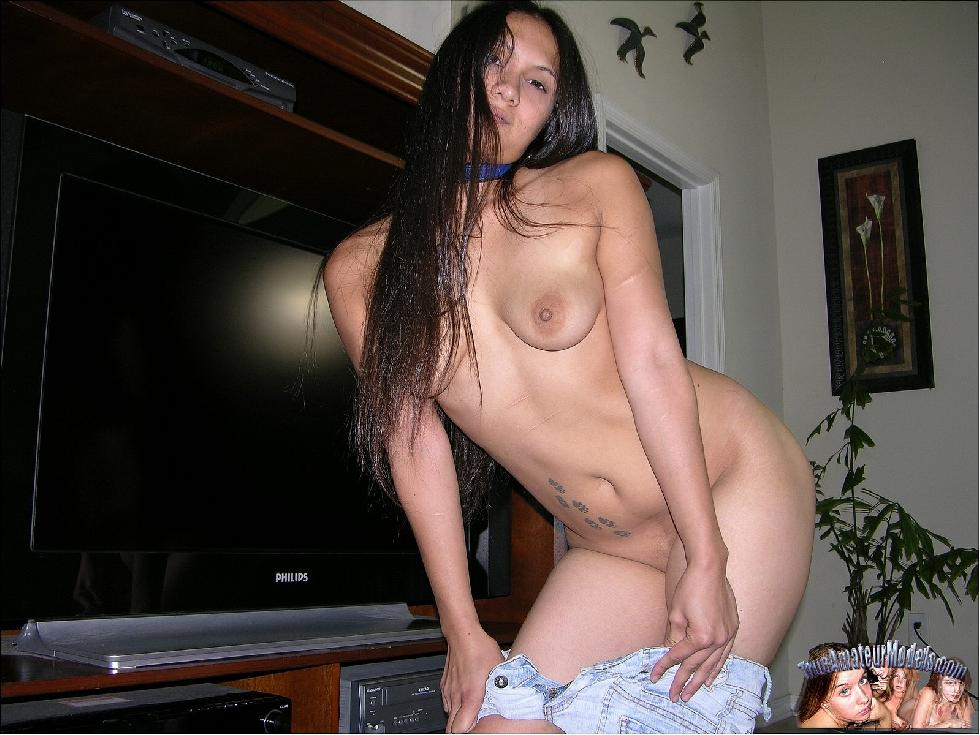 Long-haired Asian girl is posing at home - Kai - 3