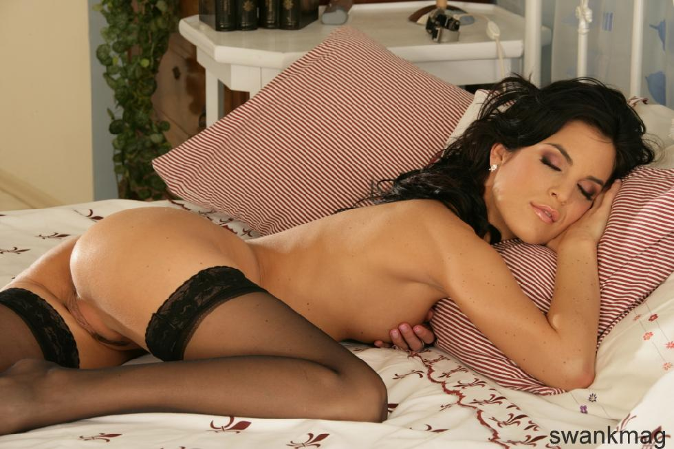 Nelli Hunter is tempting only in black stockings - 1