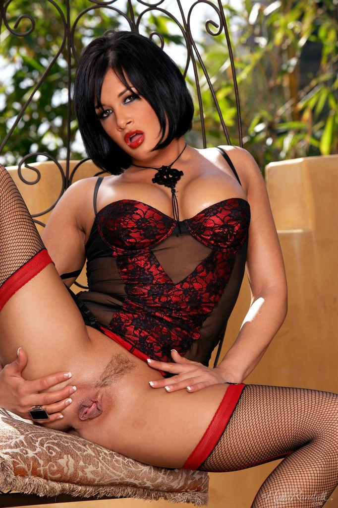 Tory Lane is showing her meaty pussy - 7