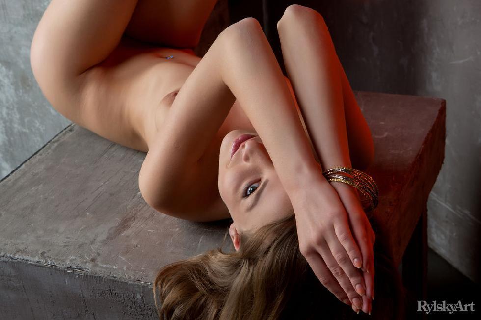 Photoshoot with beautiful and naked Nikia - 14