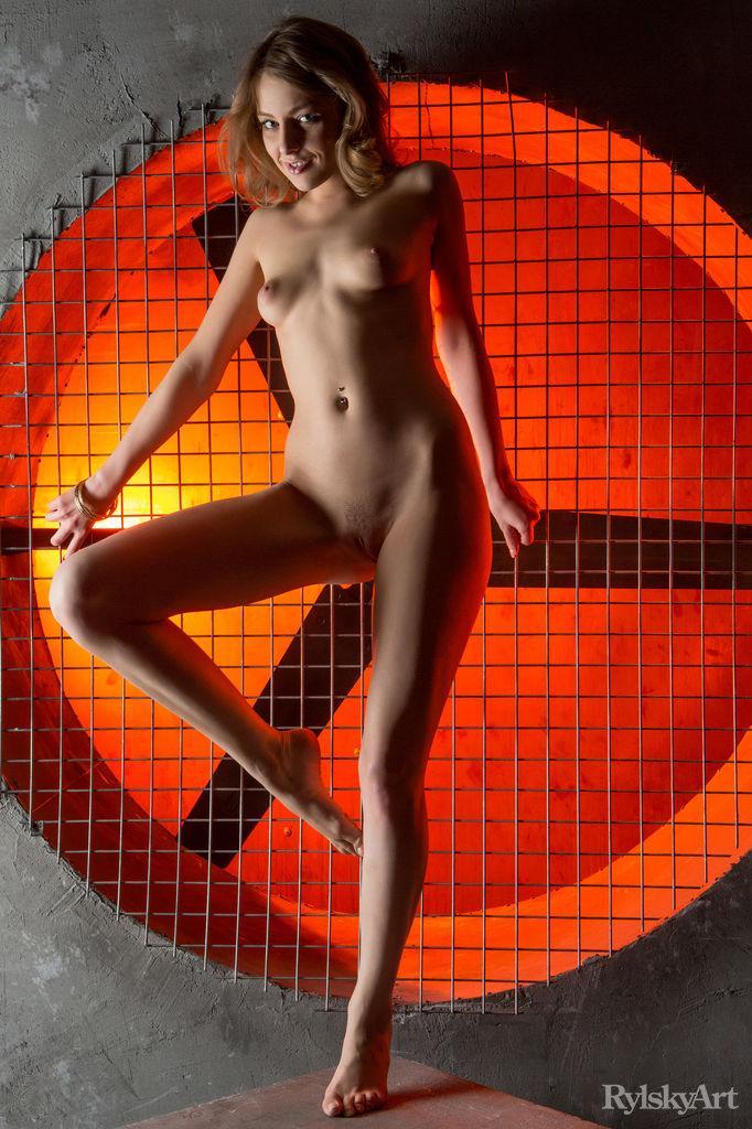Photoshoot with beautiful and naked Nikia - 6