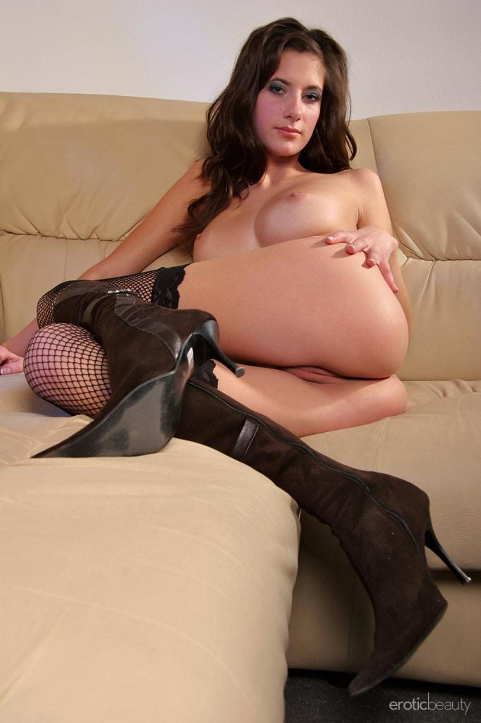 Sensual Naomi is tempting on the sofa - 12