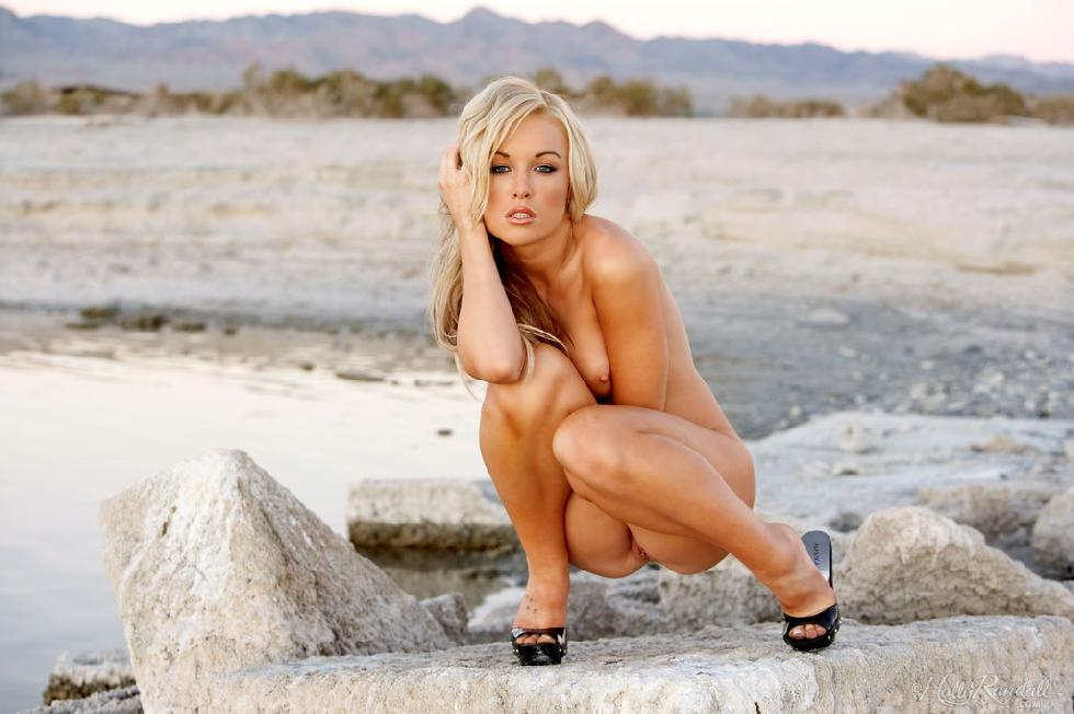 Kayden Kross shows her hot body - 7