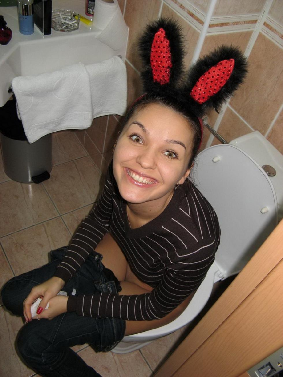 Gorgeous bunny in hotel room - Nancy - 2
