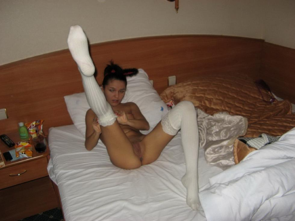 Gorgeous bunny in hotel room - Nancy - 7