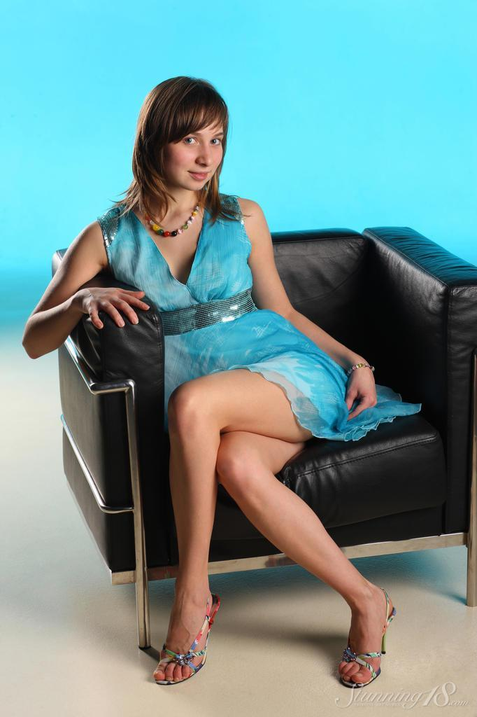 Photoshoot on the big black armchair - Jenny - 2
