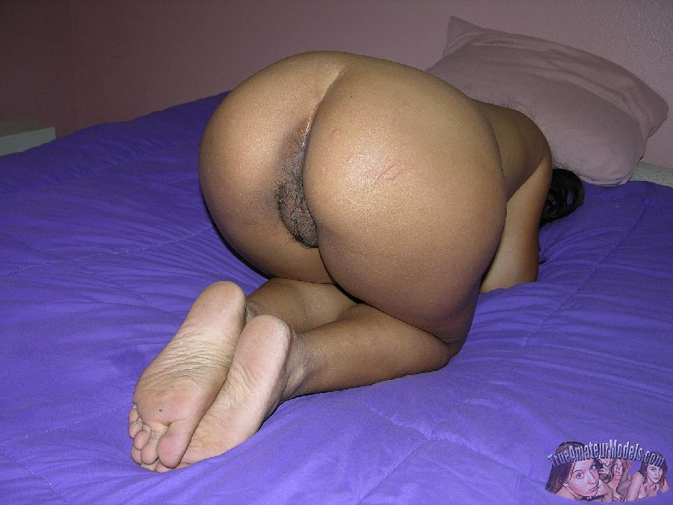 Asian girl is showing big ass - Mia - 11