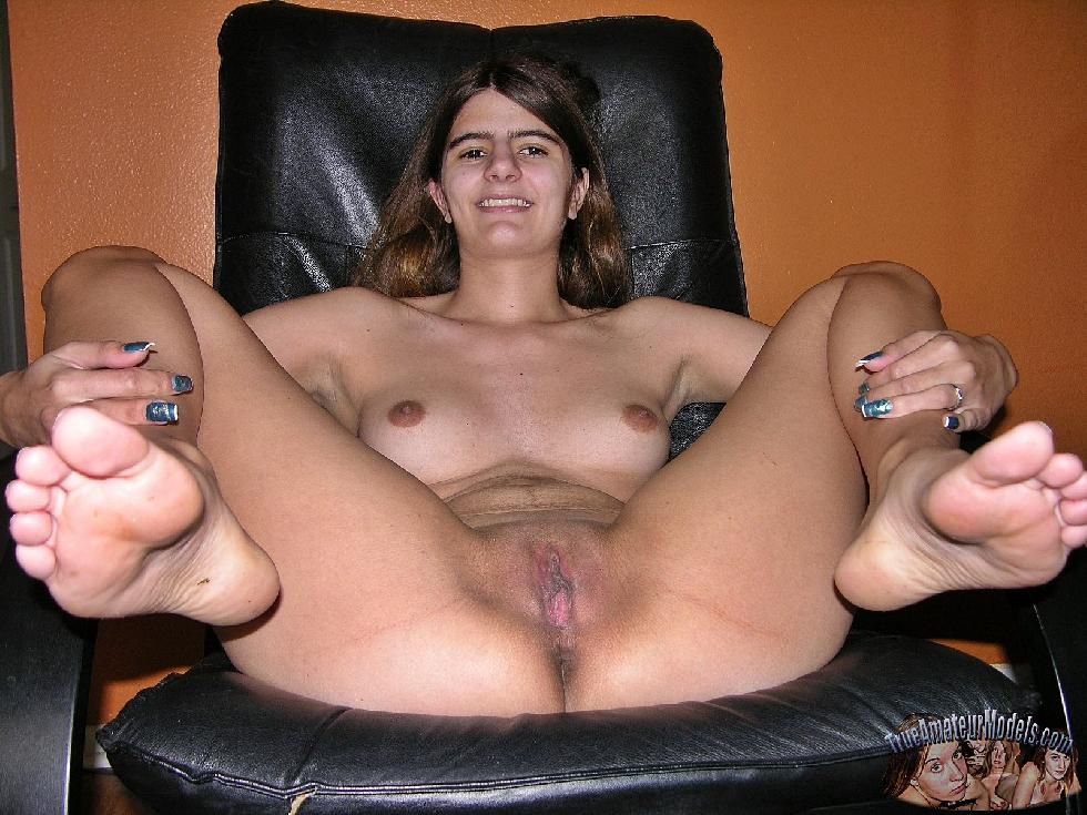 Long-haired Nissa shows shaved pussy - 12