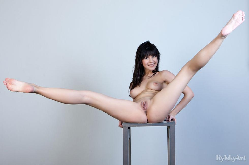 Naked Zelda is posing on the chair - 15