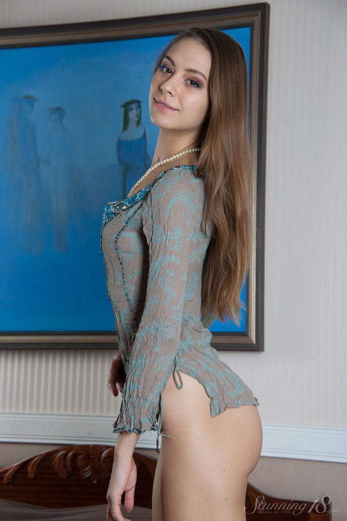 Sensual young temptress with long hair - Olya - Bonjour Mesdames