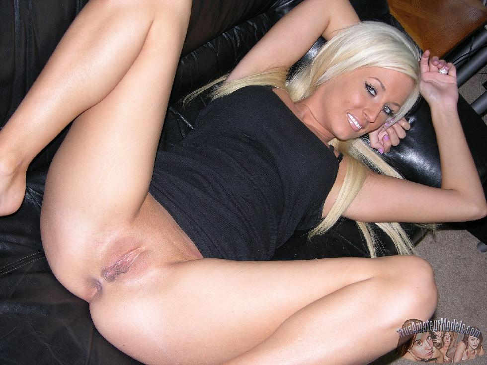 Tanned blonde with tattoo - Brooklyn - 8