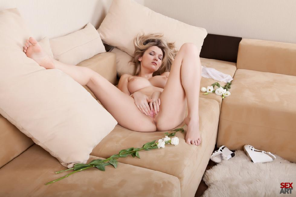 Wonderful Elisa is touching beautiful pussy - 8
