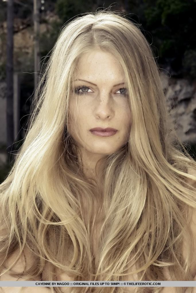 Slim and leggy blonde named Cayenne - 13