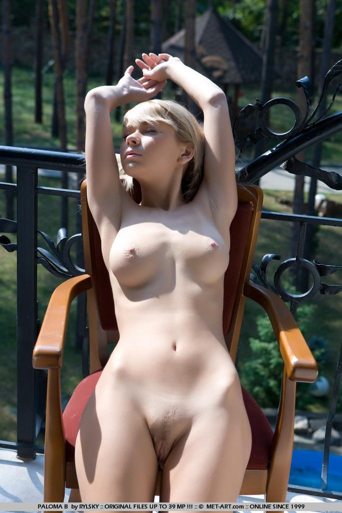 Naked blonde girl on the balcony - Paloma - 13