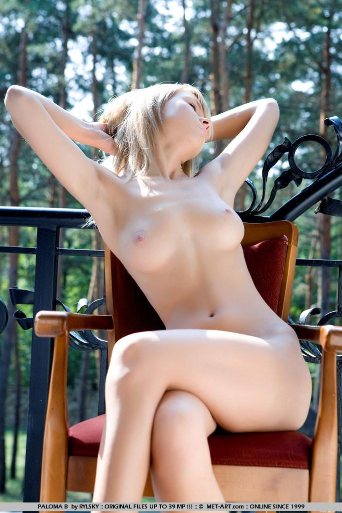 Naked blonde girl on the balcony - Paloma - 15
