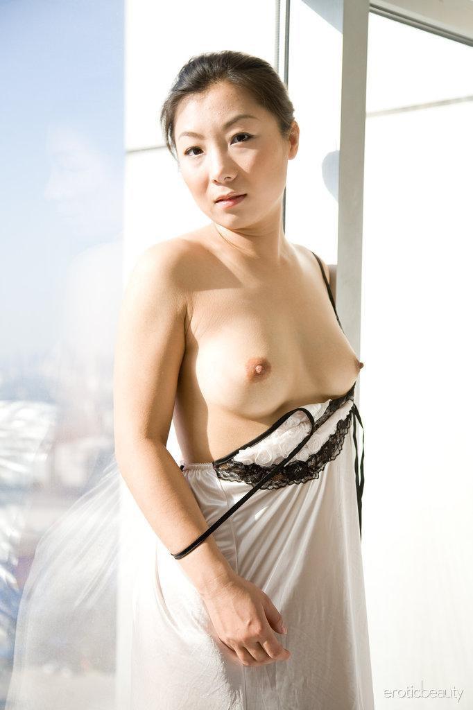 Asian is showing her hairy pussy - Ada - 5