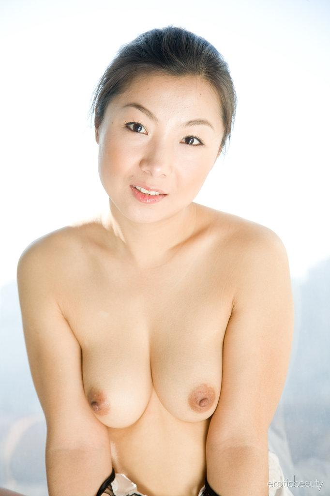 Asian is showing her hairy pussy - Ada - 8